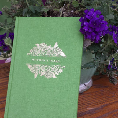 A Mother's Diary – Notebook for the Attentive Mother